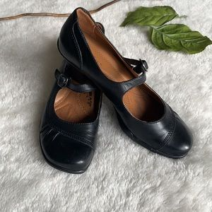Earth Spirit Leather Classic Clair Mary Janes